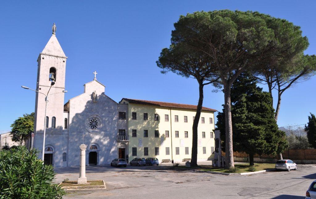 convento-venafro-san-nicandro-pini