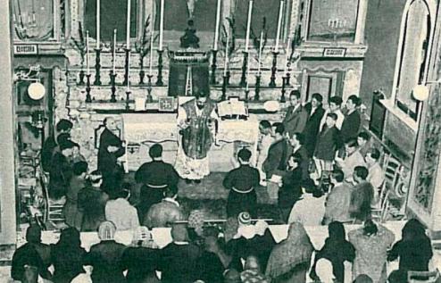 padre pio celebra messa
