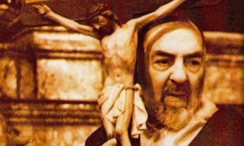 padre pio e la croce